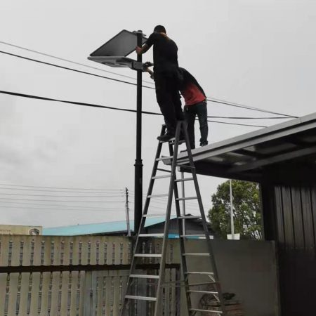 solar led street light install
